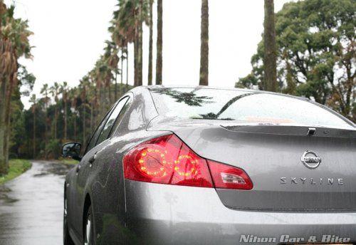 Фотографии нового седеана Nissan Skyline 350 GT - фото 4