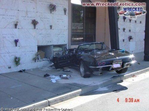 Аварии самых дорогих автомобилей - фото 30