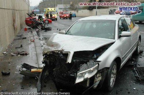 Аварии самых дорогих автомобилей - фото 29