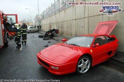 Аварии самых дорогих автомобилей - фото 2